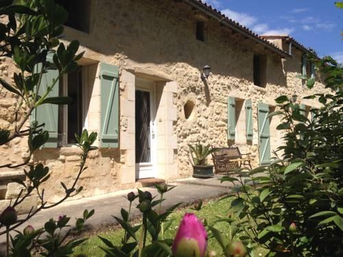 Gite la Maison de la Pimpine Lignan de Bordeaux : Guest accommodation near Créon
