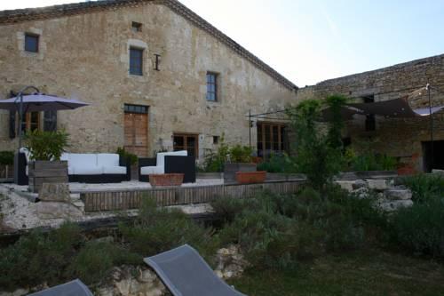 Domaine de la Tasque Gîte et Chambres d'Hôtes : Bed and Breakfast near Augnax