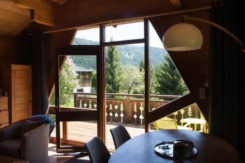 Le Petit Skieur B&B : Guest accommodation near Saint-Étienne-de-Crossey