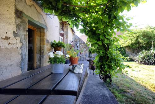 Sans Soucis : Guest accommodation near Nassigny