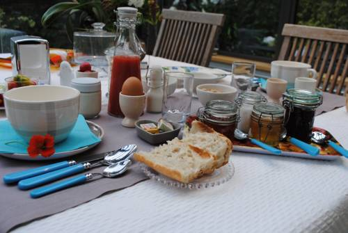 Beige Et Bleue : Bed and Breakfast near Saint-Aignan