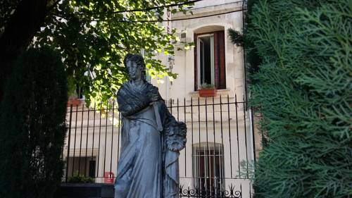 Hôtel Les Corps Saints : Hotel near Avignon