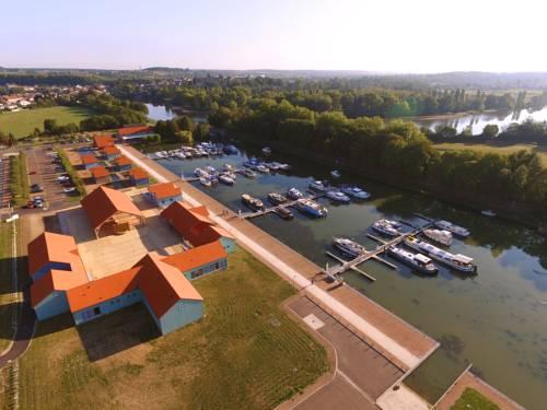 Le Port de Decize : Hotel near Sougy-sur-Loire