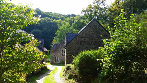 Les Gîtes Du Moulin Du Pomin : Guest accommodation near Berric