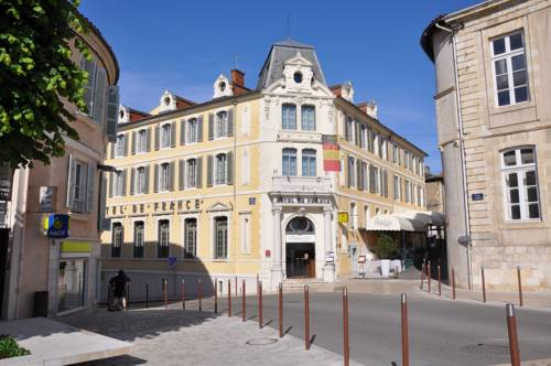 Hôtel de France : Hotel near Pavie