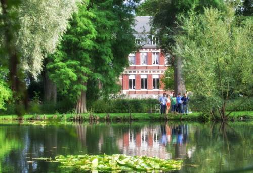 Manoir de la Peylouse : Bed and Breakfast near Lillers