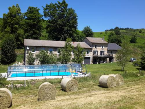 Le Moulinage Des Ruches : Guest accommodation near Saint-André-en-Vivarais