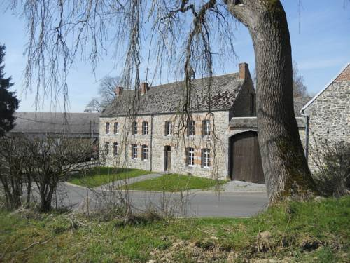 Ferme De Guersignies B&B : Bed and Breakfast near Dourlers