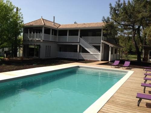 Domaine De Giron : Bed and Breakfast near Avensan