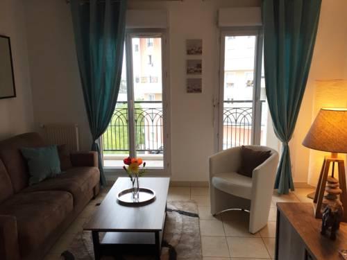 Studio Zen Chic - la Défense : Apartment near Colombes
