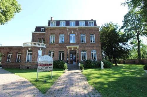 Logis Manoir de Fourcy : Hotel near Écourt-Saint-Quentin