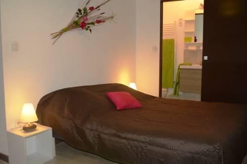ChartrouZen Chambre d'hôte : Bed and Breakfast near Saint-Laurent-du-Pont