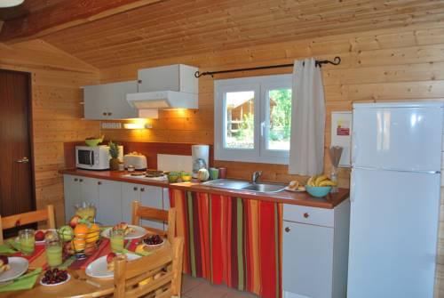Grand Bleu Vacances - Residence Les Ségalières : Guest accommodation near Lavergne