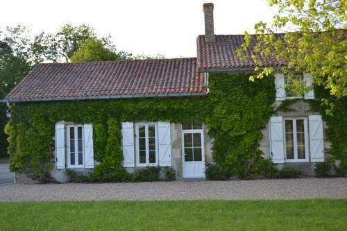 La Maison des Colverts : Guest accommodation near Bressuire