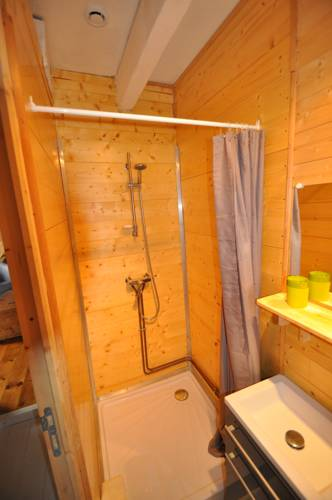 Chalet La Boheme : Guest accommodation near Quinssaines