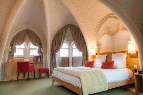 Mercure Poitiers Centre : Hotel near Sèvres-Anxaumont