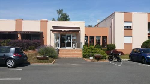 Hôtel Le Forestia : Hotel near Bellegarde
