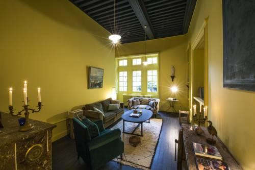 Une Nuit Au Château : Guest accommodation near Tassin-la-Demi-Lune
