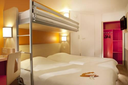 Premiere Classe Charleville Mezieres : Hotel near Warnécourt