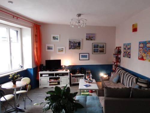 Gîte De La Roche Derrien : Guest accommodation near Quemperven