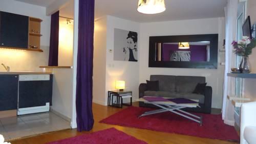 Studio Haut Standing La Défense : Apartment near Colombes