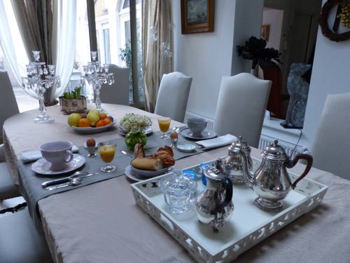 B&B A L'heure Douce : Bed and Breakfast near Bressolles