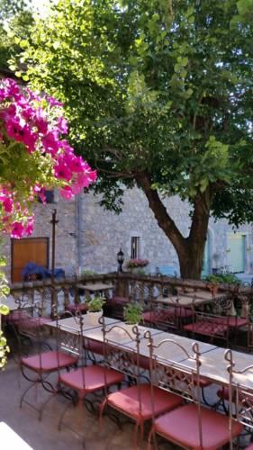 Auberge La Castagno : Hotel near Laviolle