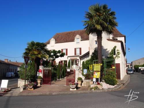 Logis Hostellerie des Ducs : Hotel near Auriac-sur-Dropt
