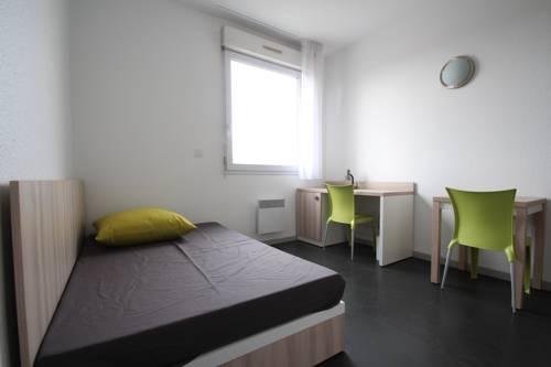 Résidence Suiteasy Albert Thomas : Guest accommodation near Vénissieux