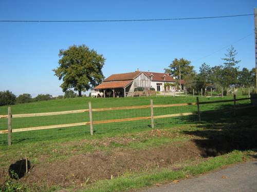 B&B Les Vernelles : Bed and Breakfast near Ygrande