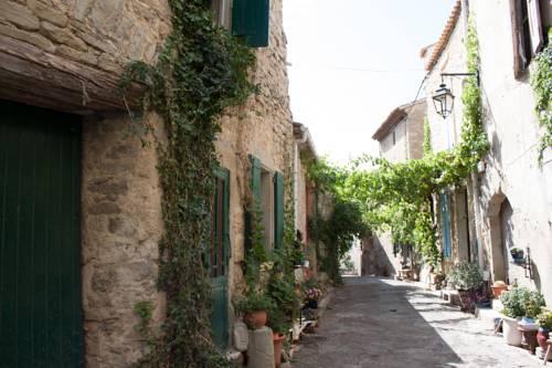 Gite les Volets Verts : Guest accommodation near Azillanet
