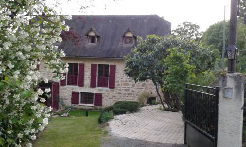 Le Mas du Cerf : Guest accommodation near Saujac