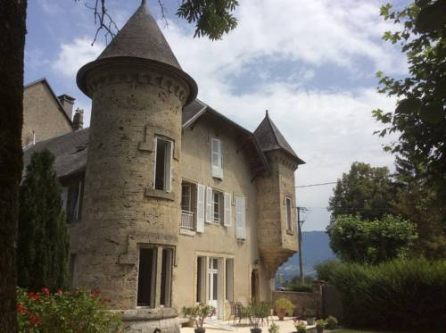 Domaine du Valromey : Bed and Breakfast near Songieu