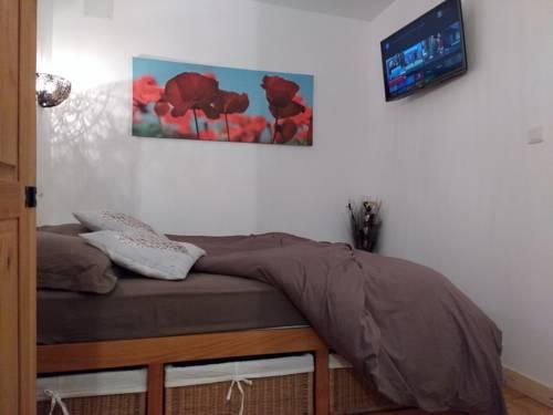 Studio16 : Guest accommodation near Combles