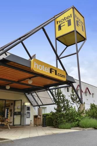 HotelF1 Lille Sud Centre Commercial Douai Flers : Hotel near Leforest