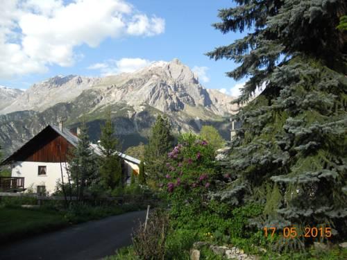 SARL D'Oreac : Apartment near Puy-Saint-Vincent