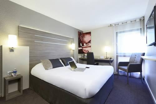 Kyriad Grenoble-Voiron Chartreuse-Centr'alp : Hotel near Saint-Nicolas-de-Macherin