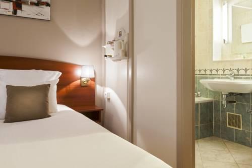 Comfort Hotel Cachan Paris Sud : Hotel near Bourg-la-Reine