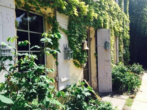Le Moulin de Moulis : Bed and Breakfast near Avensan