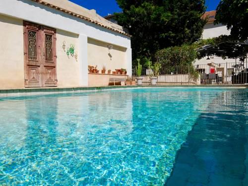 Hôtel La Suite : Hotel near Villeneuve-lès-Avignon