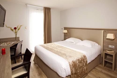Séjours & Affaires Grenoble Marie Curie : Guest accommodation near Fontaine