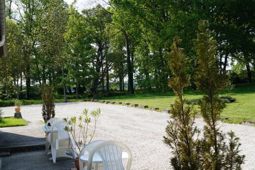 Domaine des Carmes : Bed and Breakfast near Bombon