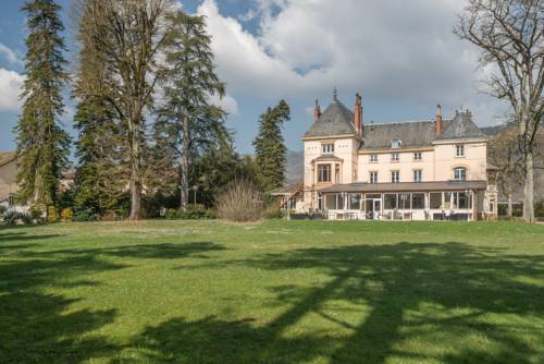 Domaine des Cèdres : Hotel near Montagnieu