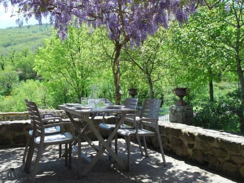 Maison de Vacances - Saint Etienne De Serre I : Guest accommodation near Saint-Sauveur-de-Montagut