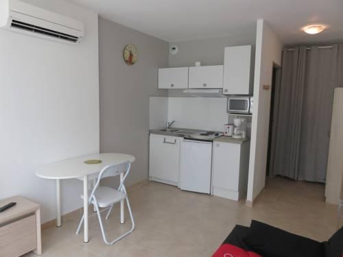 le rollier : Apartment near Brunet