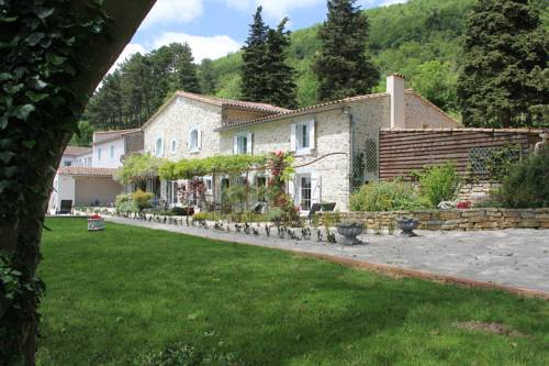 Les Jardins de Soulane B&B : Bed and Breakfast near Belcastel-et-Buc