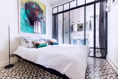 Romantic Artist Room Montmartre Bed & Breakfast : Bed and Breakfast near Paris 18e Arrondissement