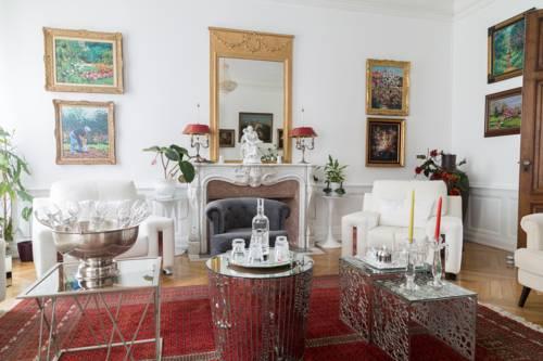 Chambres d'Hôtes - La Villa De La Paix : Bed and Breakfast near Troyes