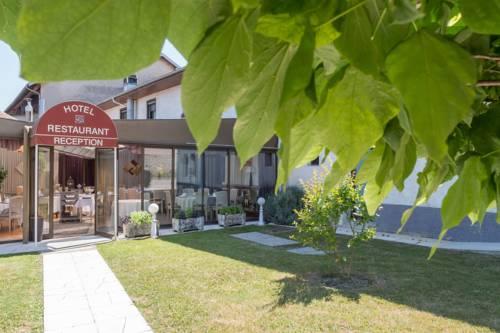 Hotel Restaurant Laurent Perreal : Hotel near Cras-sur-Reyssouze