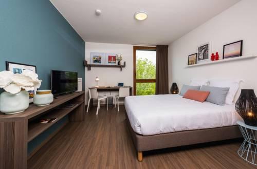 Ténéo Apparthotel Bordeaux Maritime : Guest accommodation near Cenon